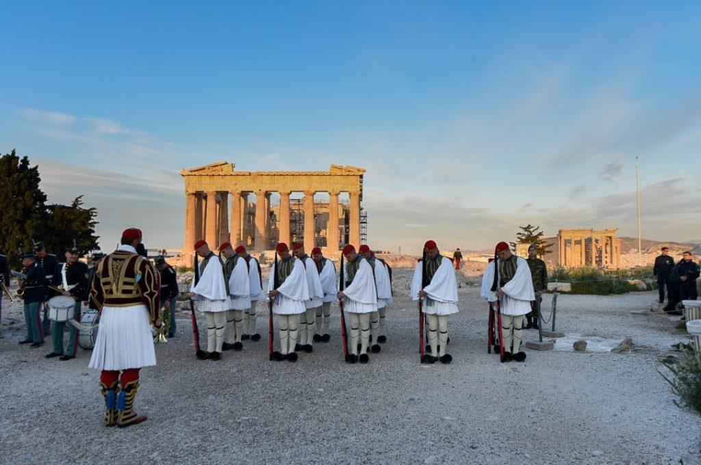 Η Ελλάδα χρειάζεται θεσμικές μεταρρυθμίσεις και δημοκρατική εμβάθυνση