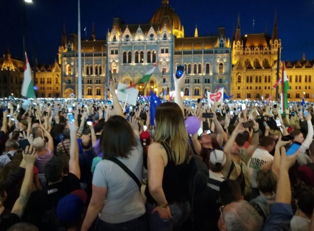 Ο Κ. Ζαχαριάδης σχολιάζει το αποτέλεσμα των εκλογών στην Ουγγαρία
