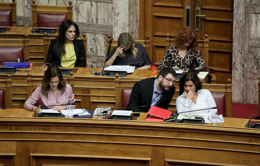 Ο Κ. Ζαχαριάδης για το νομοσχέδιο για την υιοθεσία και την αναδοχή