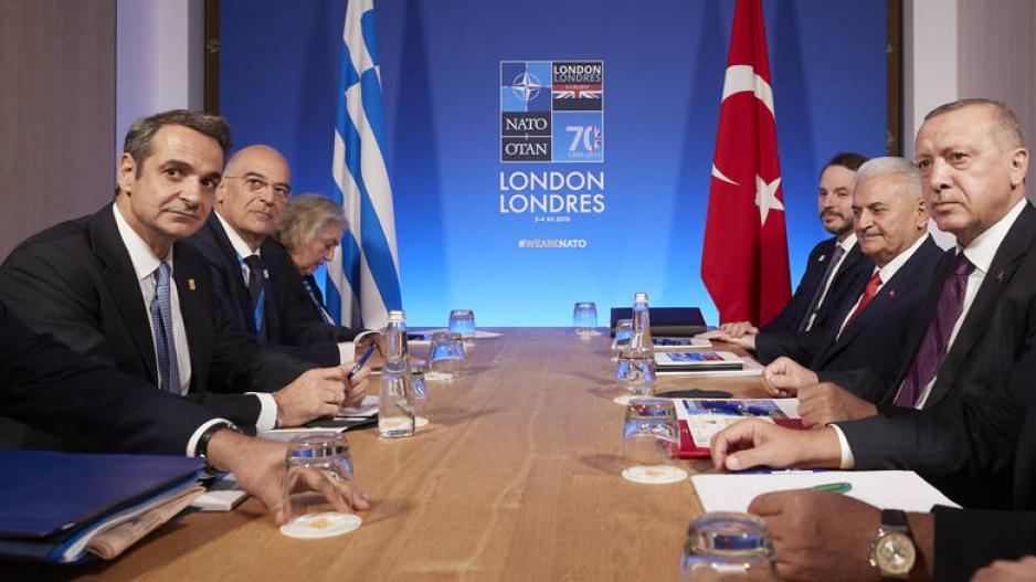 Η ελληνική κυβέρνηση πρέπει να δείξει αποφασιστικότητα και σοβαρότητα, όχι καραγκιοζιλίκια και ατυχείς ασυνεννοησίες, όπως συνέβη με τα ΜΟΕ.