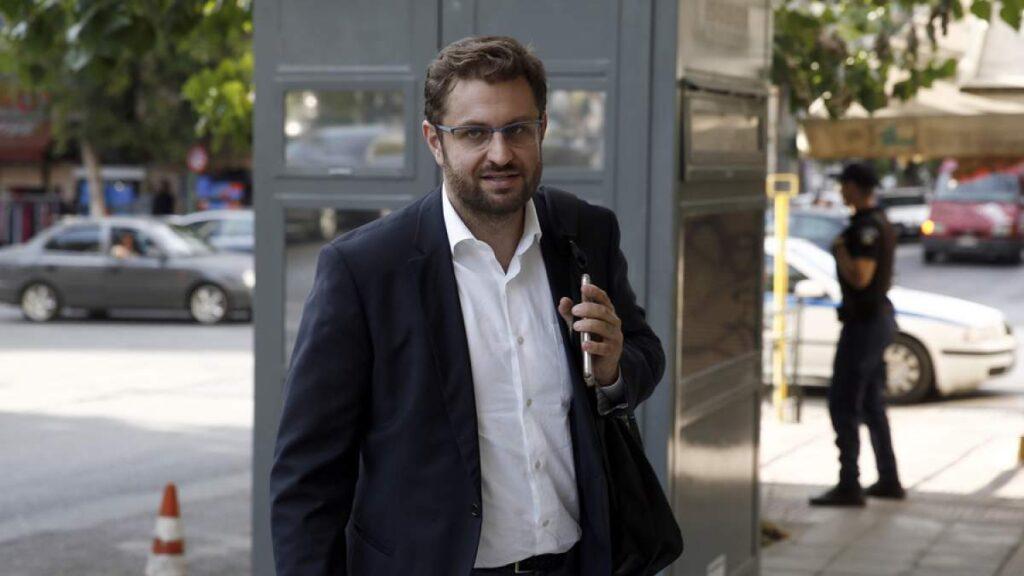 Εμπαιγμός των δημοσίων υπαλλήλων η εξαγγελία για «μπόνους παραγωγικότητας» από τον Υπουργό Εσωτερικών